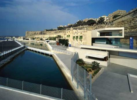 ™ ANGELCRAFT CROWN WORLD BANK & RESERVE Gallery - Valletta Waterfront