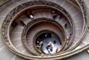 Crown Holdings Italia - Palazzo - Le Royal Château - UNVS MVLTORVM SANCTVM SEDES DEI - Vatican Museums